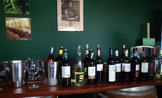 cuda toskanii sklep z winem