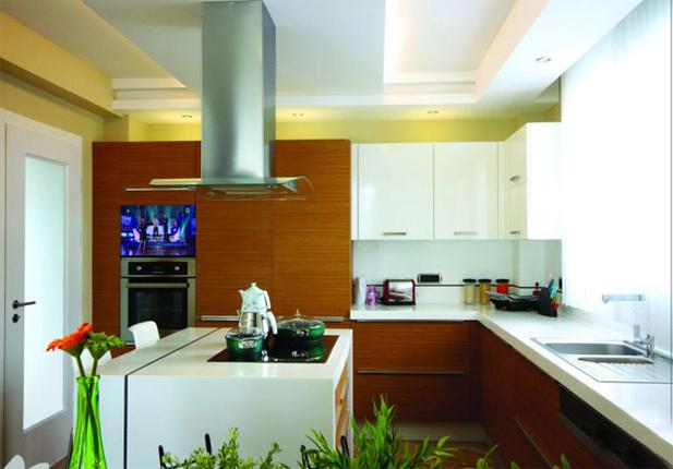 mirror multimedia telewizor w kuchni
